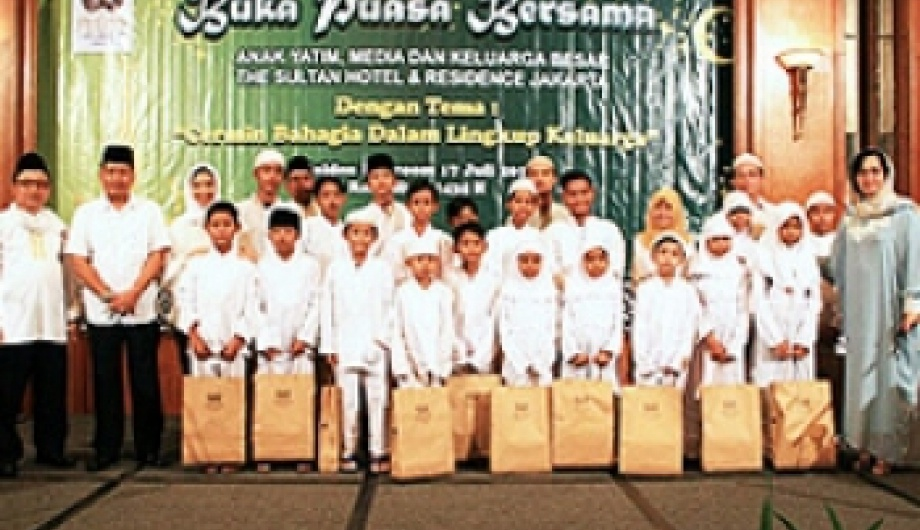 Fast-Breaking With Al-Anwar Orphanage at The Sultan Hotel & Residence Jakarta