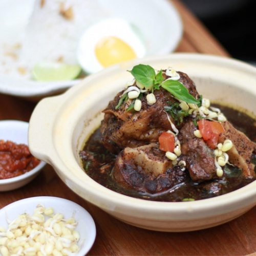 Authentic Indonesian Food in Jakarta: 5 Restaurants Worth to Visit
