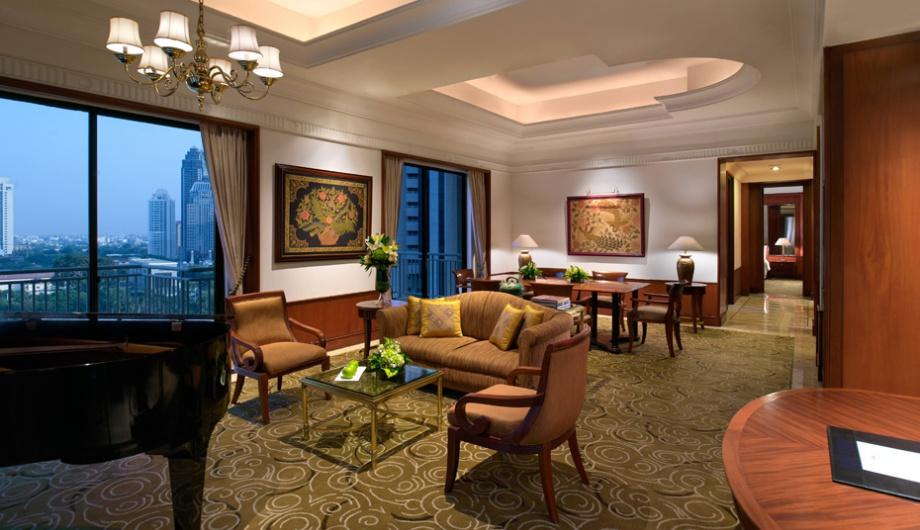 Livingroom Royal Suite 2 Bedroom