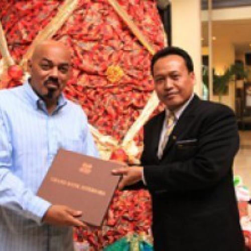 James Ingram stays at The Sultan Hotel & Residence Jakarta