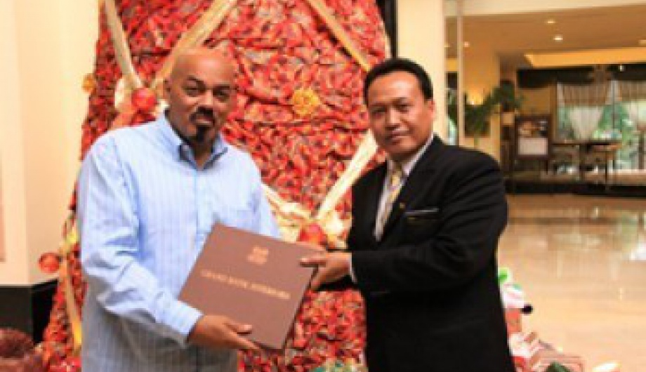 James Ingram stays at The Sultan Hotel & Residence Jakarta